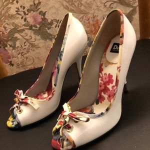 Dolce And Gabbana Floral Heels